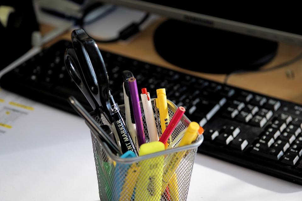 materiały biurowe